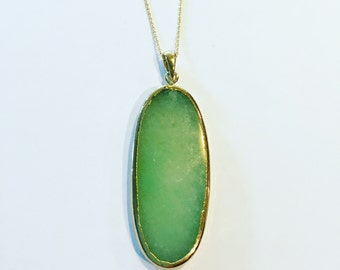 grene agate slice pendant necklace in gold setting with dainty chain