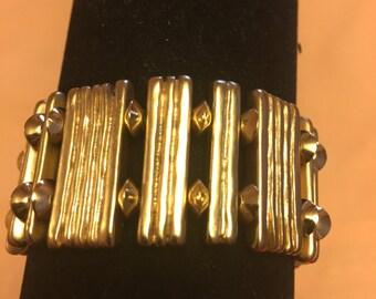 Vintage Gold Tone Stretch bracelet