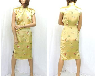 Chinese cheongsam dress vintage 60s silk dress S 1960s Asian gold silk embroidered oriental wiggle dress size 5 / 6 SunnyBohoVintage