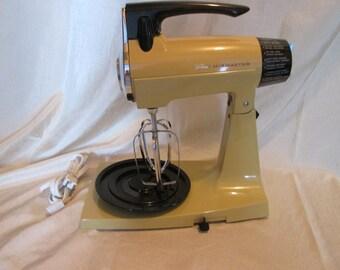 Vintage mixer / Sunbeam Mixmaster