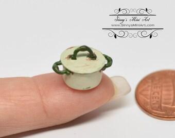 1:24 Dollhouse Miniature Shabby Casserole/ Beige/ Miniature Pot Miniature Cookware AZ AN1351BG