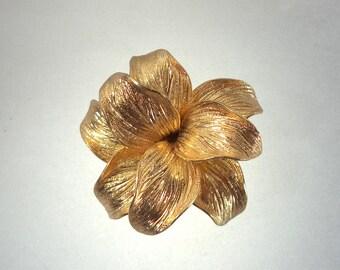 Henkel and Grosse 1965 Germany Gold Flower Brooch Signed