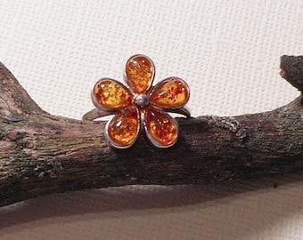 Vintage Sterling Silver 925 Baltic Amber Flower Floral Ring