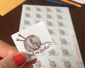 "Sticker ""fait au Québec"" wool ball"