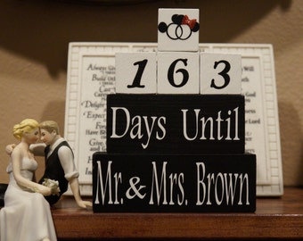 DISNEY WEDDING COUNTDOWN blocks. Engagement Gift. Bridal Shower Gift.  Wooden Blocks. Custom Gift for the couple. Gift for the Bride.