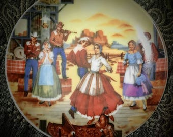 """Avon Collectible Plate, American Portraits Plate Collections, The Southwest 4"""" Inch Plate 1985"""