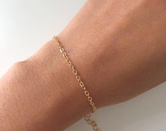 Simple dainty bracelet