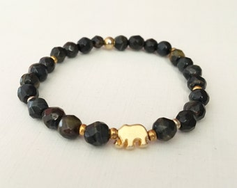 Faceted semi-precious stone bracelet with gold-plated elephant