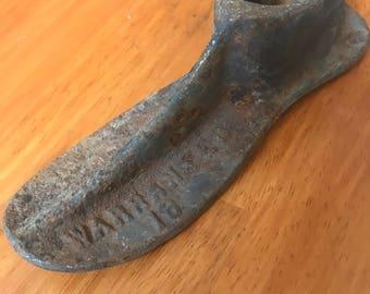 VINTAGE Cast Iron COBBLER Shoe Childs REPAIR Form Warranted 18