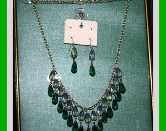 Emerald Green and Iris Teardrop Necklace/Earrings, 20""