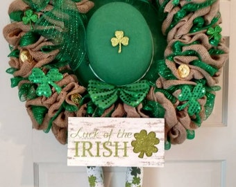 St Patrick's Day Wreath with Hat and Legs