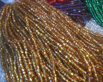 9600 Vintage glass seed beads. 80g.