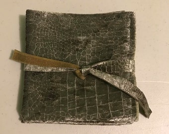 Green Crocodile Velvet Napkin