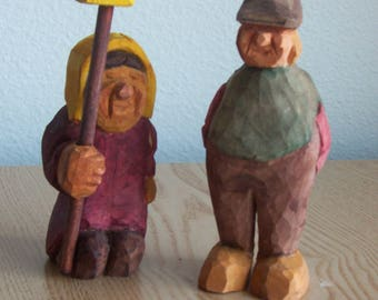wood carved little couple