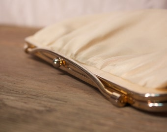 Vintage Off-White Clutch Purse with Metal Clasp - Vintage Clutch - Cream Clutch Handbag - Off-White Purse - Cream Purse