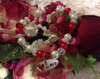 No. 395 A Lovely Crystal and Pearl Stretchy Bracelet