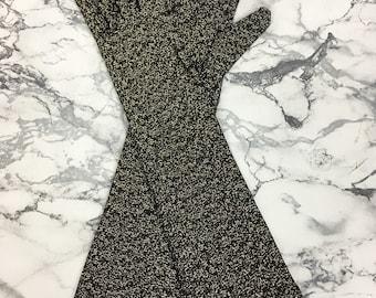 Ladies 1960's Vintage Elegant Theatre, Evening, Formal, Mid Length Stretch Gloves in Black & Gold Lurex. UK Size 6.5