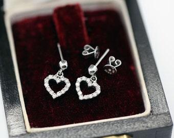 Boucles d'oreilles en or blanc massif 750/1000 or 18k or 18 carats or 18ct serties de diamants naturels de 0,4 ct earrings or diamonds love