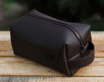 Leather Personalized Dopp Kit, Mens Toiletry Bag, Mens Wash Bag, Mens Cosmetic Bag, men's travel case, Shaving Bag, Travel kit, Brown