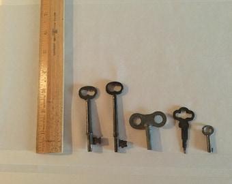 Vintage Key Collection, set of 5 keys