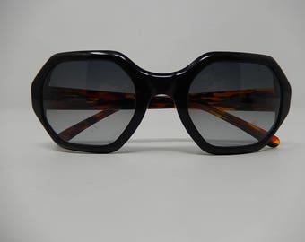 Old Sunglasses, Vera Wang, Italy, vintage, Free Shipping