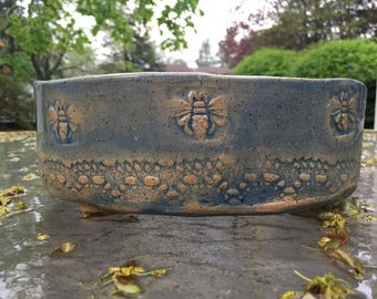 Bee bowl, hand built