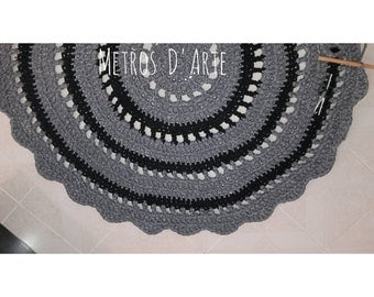 Crochet rugs with mesh wire from 60 cm or as you want/yarn crochet Tshirt rug from 60 cm up to the size you wish.