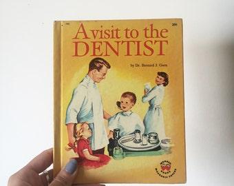 A Visit To The Dentist Vintage Children's Book 1959 - OSVKB0005