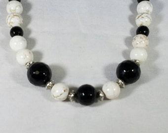 Amazing black onyx and marble necklace!