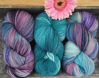 Yarn package: 3 strands of Merino silk blend