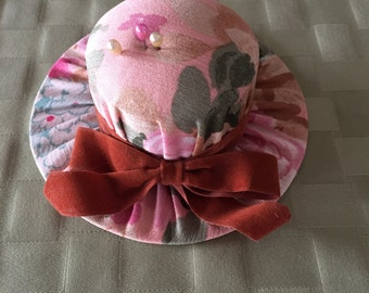 Hat Shaped Pin Cushion