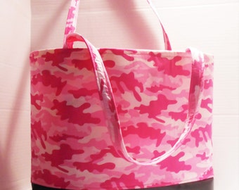Pink Camo diaper bag, Pink camouflage diaper bag, camo tote, girls diaper bag, camo nursery, camo shower gifts, pink camo tote bag, baby bag