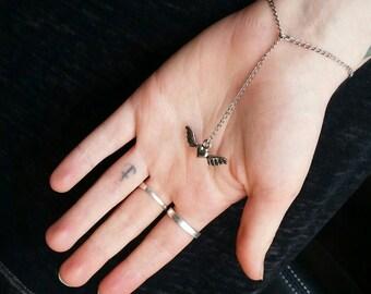 Simple winged heart bracelet