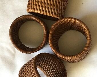 4 piece Round Weave Wicker Wood Brown Napkin Ring Holders