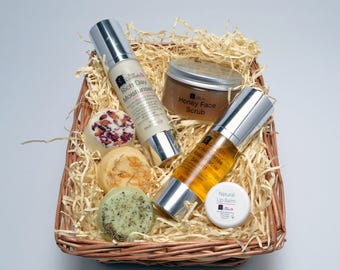 Gift selection of natural skincare products, Serum, Moisturiser, Honey face scrub, Bath melts and Lip balm