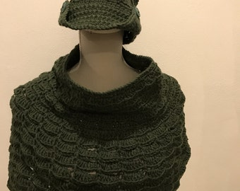 Complete hat with brim and mini poncho