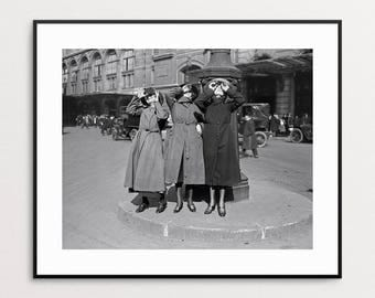 Women in Paris Watching Solar Eclipse, 1921 - Black and White - Wall Art - Eclipse Art - BFF - Friends Gift - France - Historic - Print