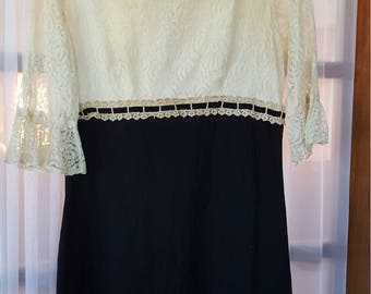 Vintage Women's Lace Dress