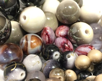 74 Pc Mixed Plastic Beads 4 mm - 26 mm