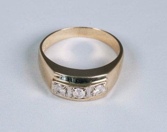 10K Yellow Gold Mens Diamond Ring with 3 Stones, Size 11