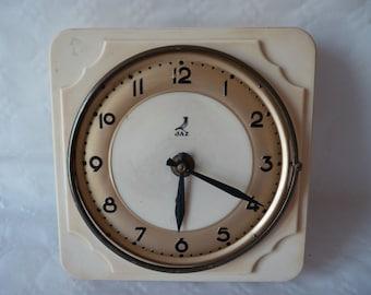 Pendulum Jaz
