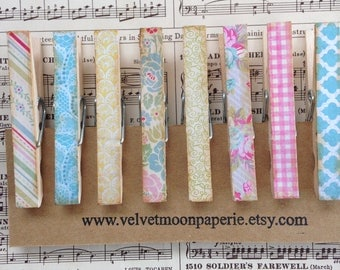 Vintage Style Patterned Decorative Clothespins/Distressed Vintage Inspired Clothes Pin Clips/Retro Wallpaper Inspired Memo Clips/Set of 8