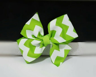 Simple Bow - Green Cheveron