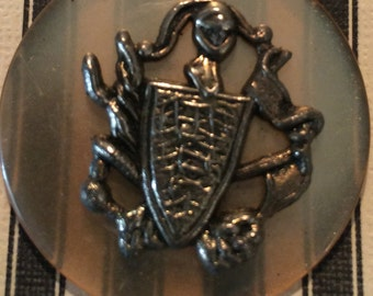 Vintage Button with Crest