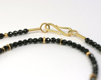 Collier 750 Gold and spinel unique jewelry design hand made in Germany