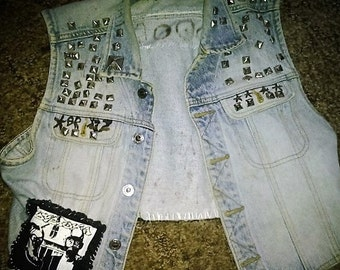 crust punk studded punk vest//small//fleas and lice//dystopia//doom//crop vest//diy