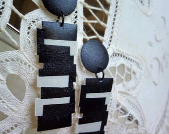 light color shades, elegant geometric earrings studs
