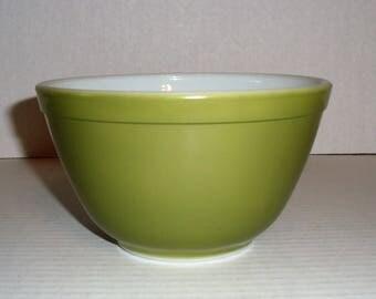 Olive Green (Verde) Pyrex Mixing Bowl.  401   1 1/2 PT