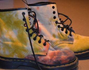Code FOREVER15: 15% + reduced SHIPPING! Dr. Martens Tye Dye 8 holes Rare canvas boots!       UK5 US7 EU38