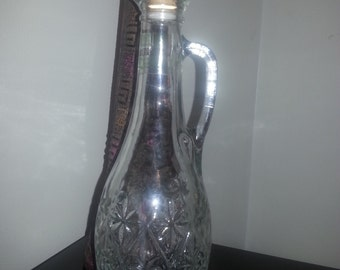 Vintage Mogen David Deluxe Concord Glass Wine Decanter with Handle Limited Edition
